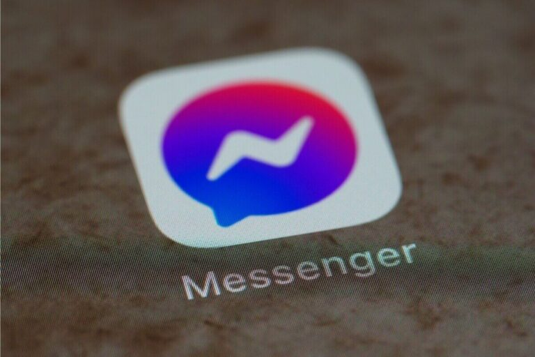How to delete Someone from Facebook Messenger 2021 (Complete Guide)